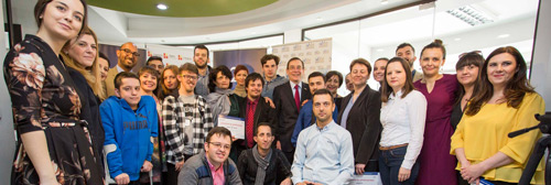 """Успешно завршен проект на фондацијата """"иВоте"""" и отварање на првиот центар за поддршка..."""